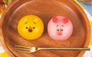 """【トピックス】プーさんとピグレットが""""もちもちの和スイーツ""""に!「食べマスモッチ くまのプーさん」が9月19日(水)より販売開始!"""
